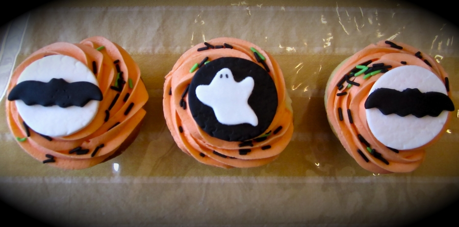 Halloween Cupcakes! on Cake Central