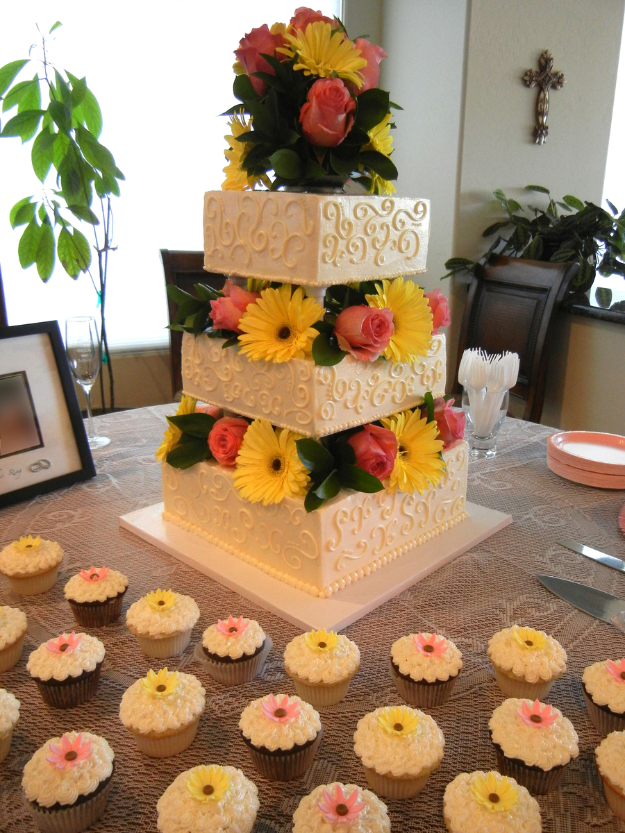 square wedding cakes with fresh flowers square wedding cake with fresh flowers cakecentral 20421