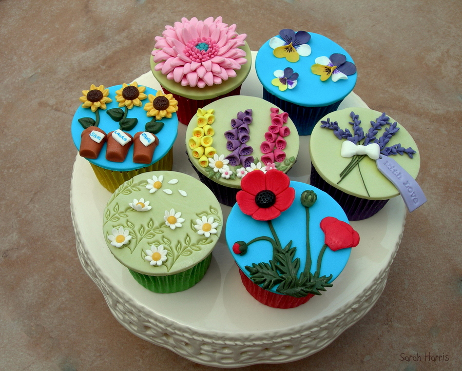 Cottage Garden Cupcakes on Cake Central