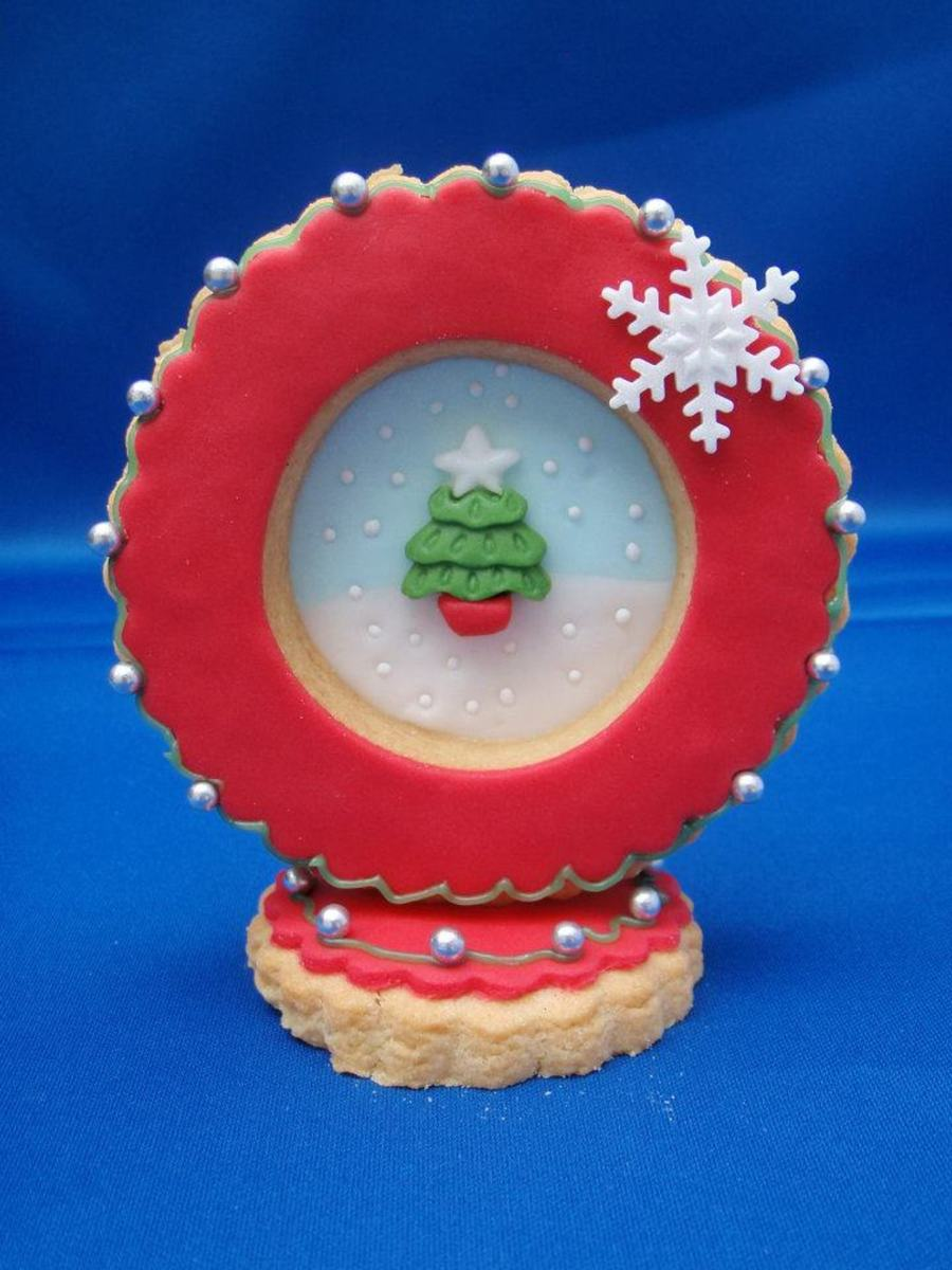 Snow Globe Cookie on Cake Central