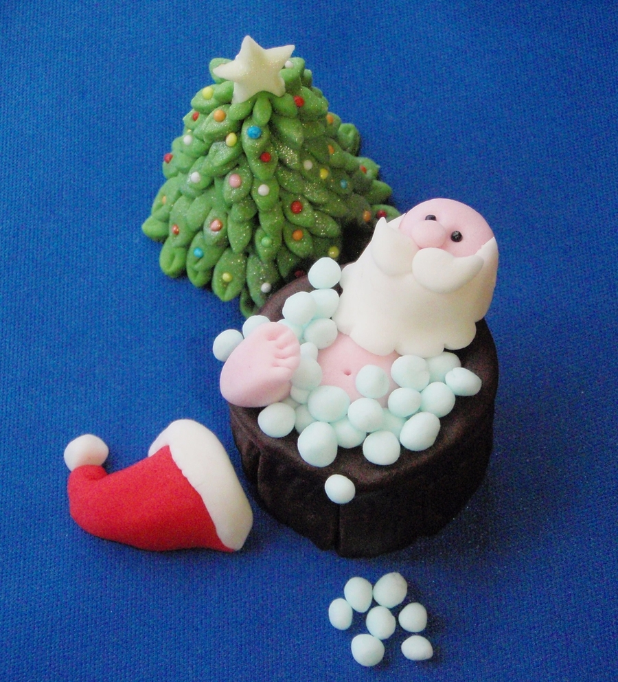 Santa In A Hot Tub on Cake Central