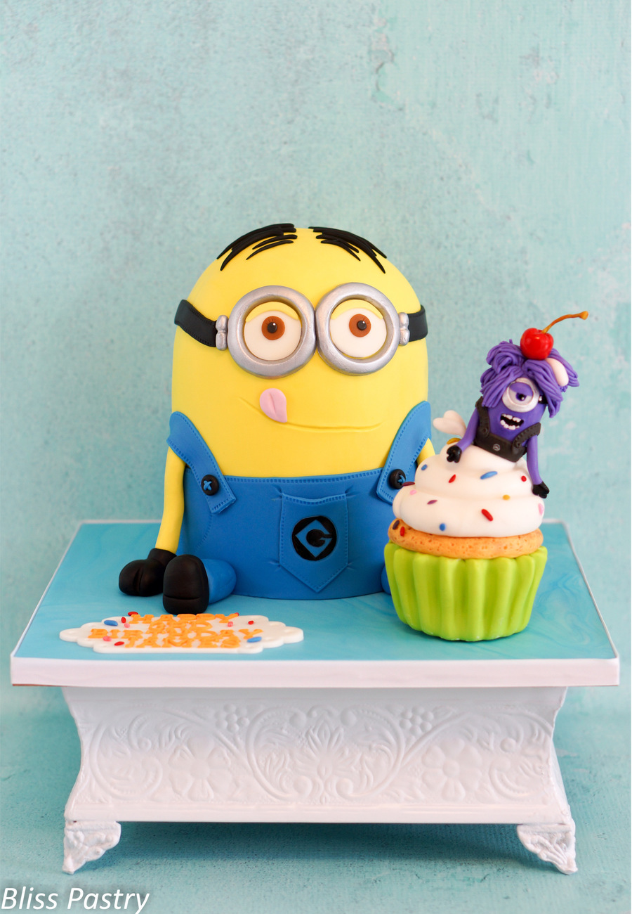 Minion With Birthday Cake