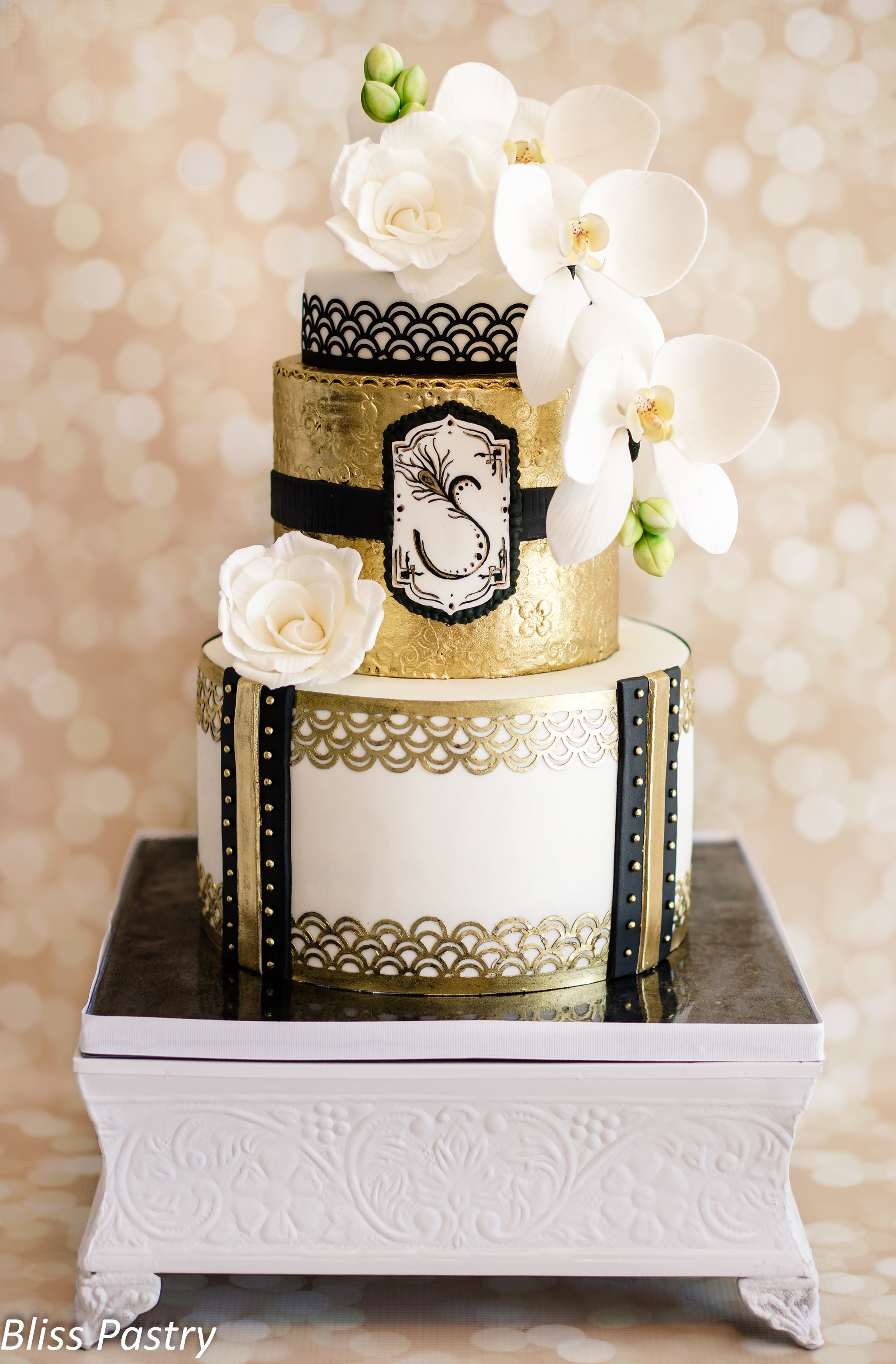 Art deco birthday cake for Art deco cake decoration