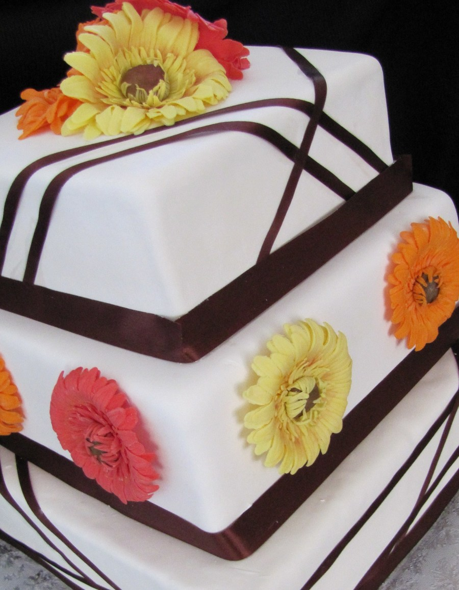 Gerbera Daisy Cake on Cake Central