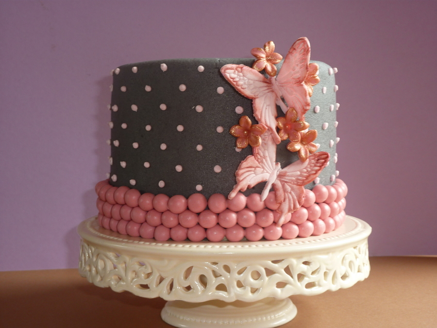 A Dotty Cake on Cake Central