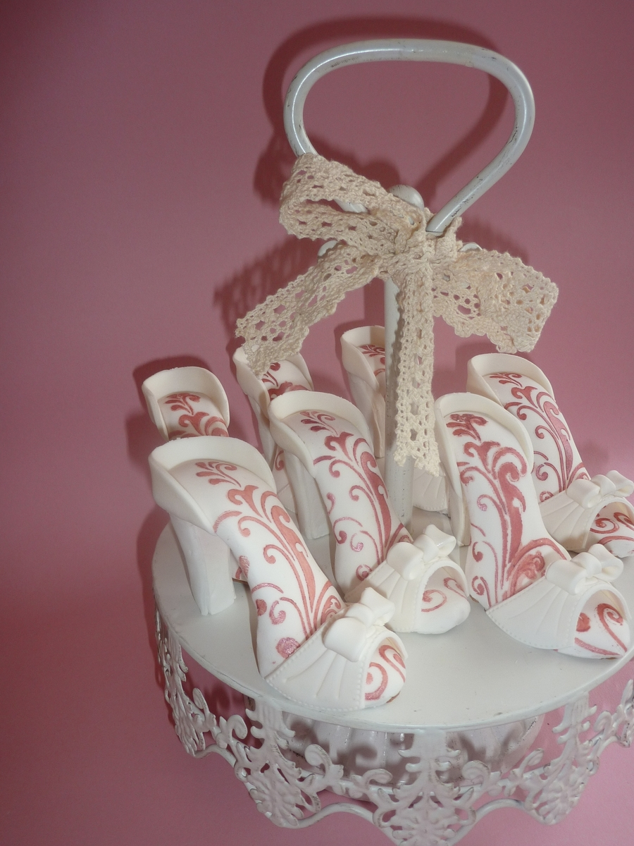 3D High Heel Cookie on Cake Central