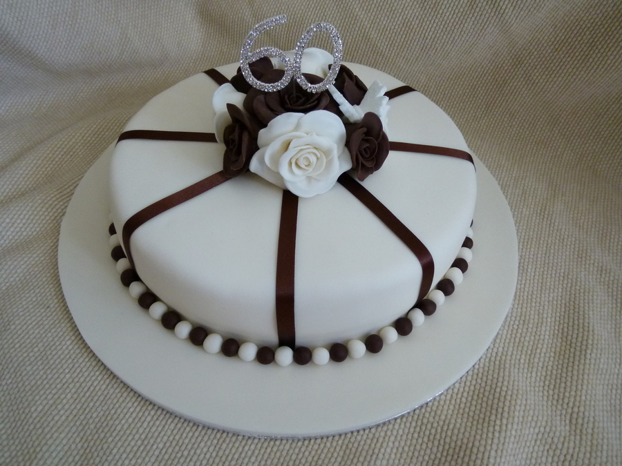 Cake Design For Ladies Birthdays : Ladies 60Th Birthday Cake - CakeCentral.com