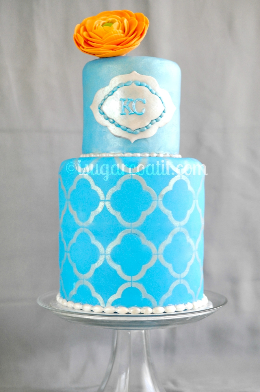 Quartrefoil On Blue on Cake Central