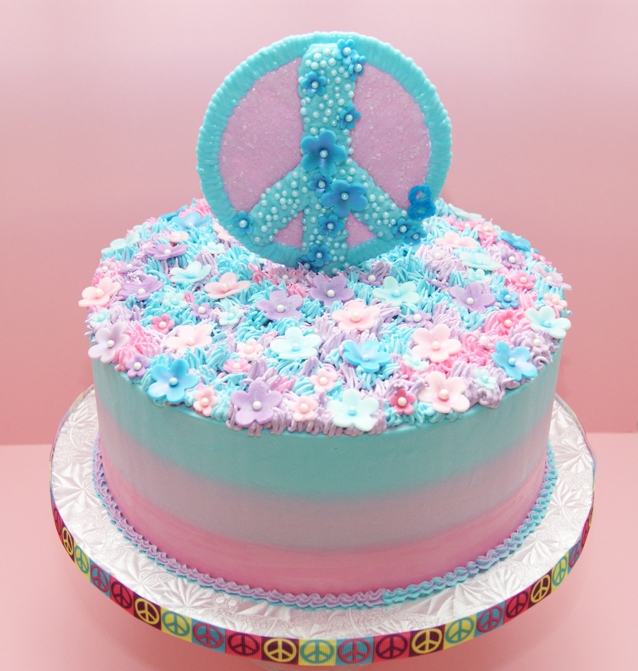 Cake Decorating Ideas Peace Sign : My Peace Sign Cake - CakeCentral.com