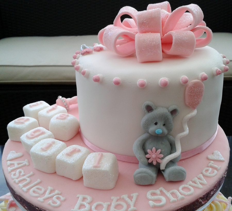 ashleys baby shower cake and cupcakes