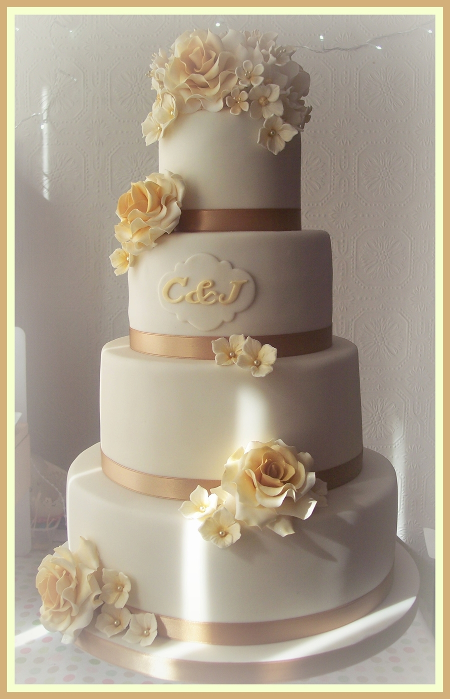 gold wedding cake topper ideas gold ivory wedding cake cakecentral 14835