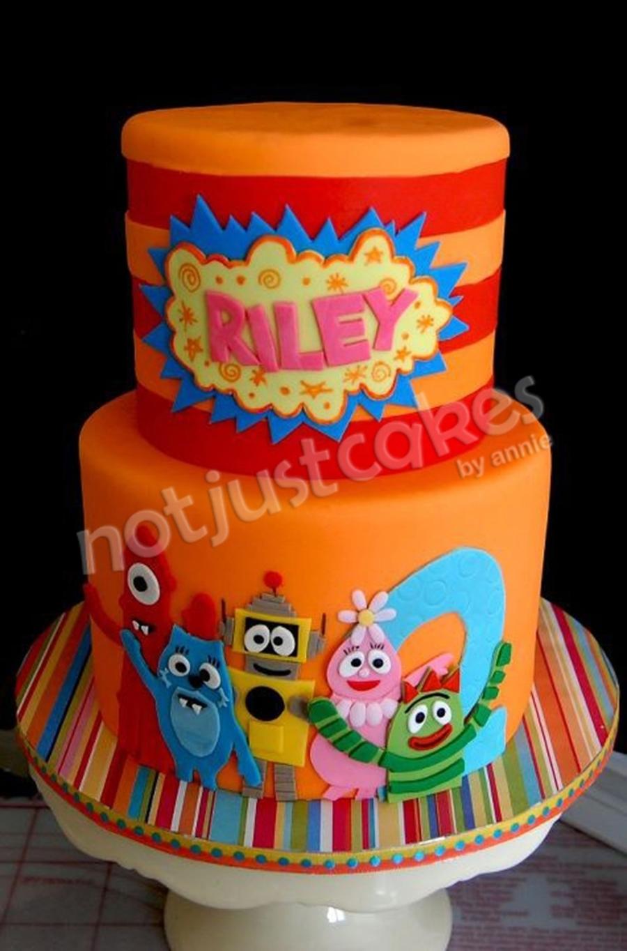 Superb Yo Gabba Gabba Cake And Sweets For Riley Cakecentral Com Funny Birthday Cards Online Elaedamsfinfo