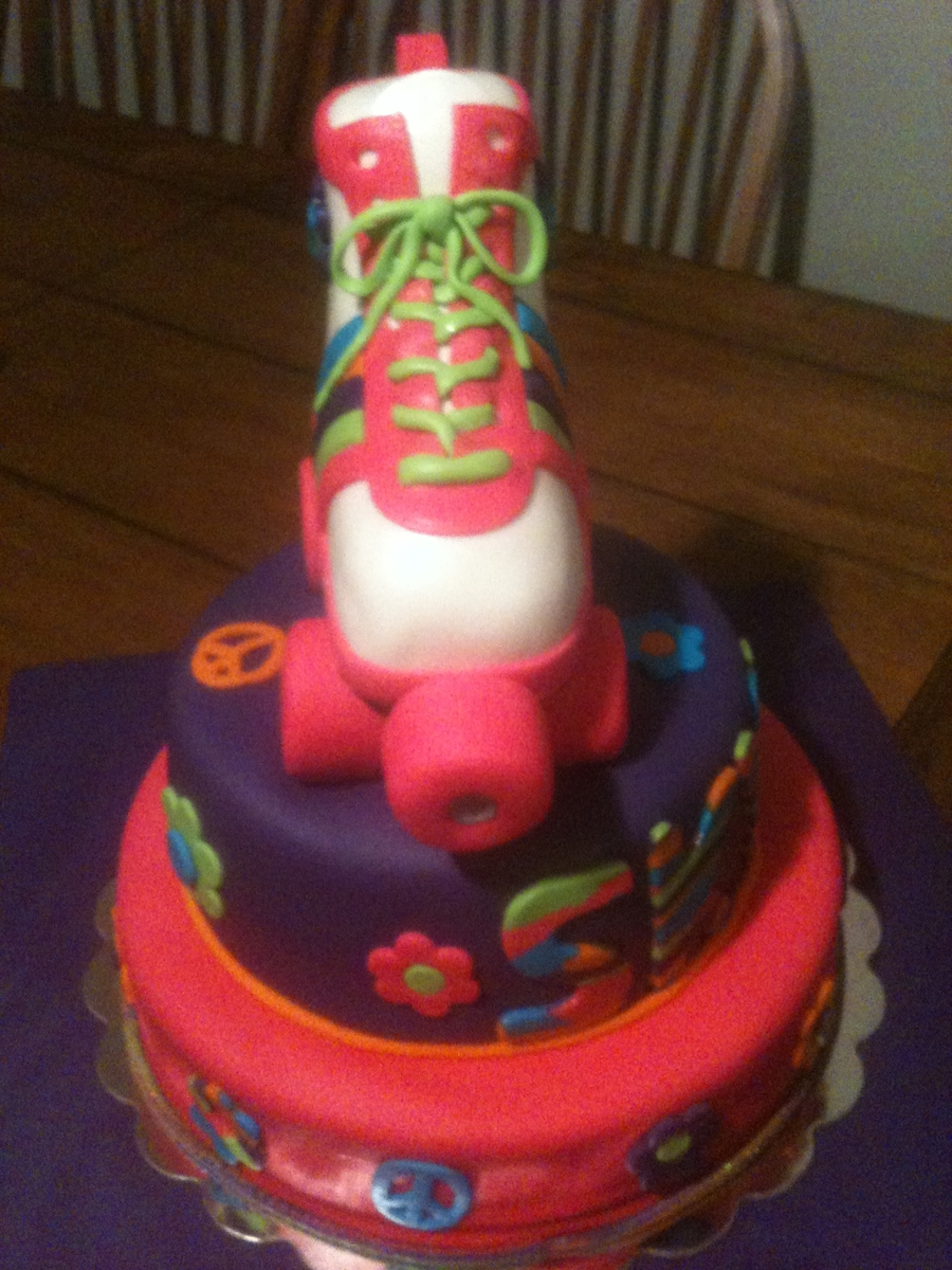 70 S Roller Skate Cake Cakecentral Com
