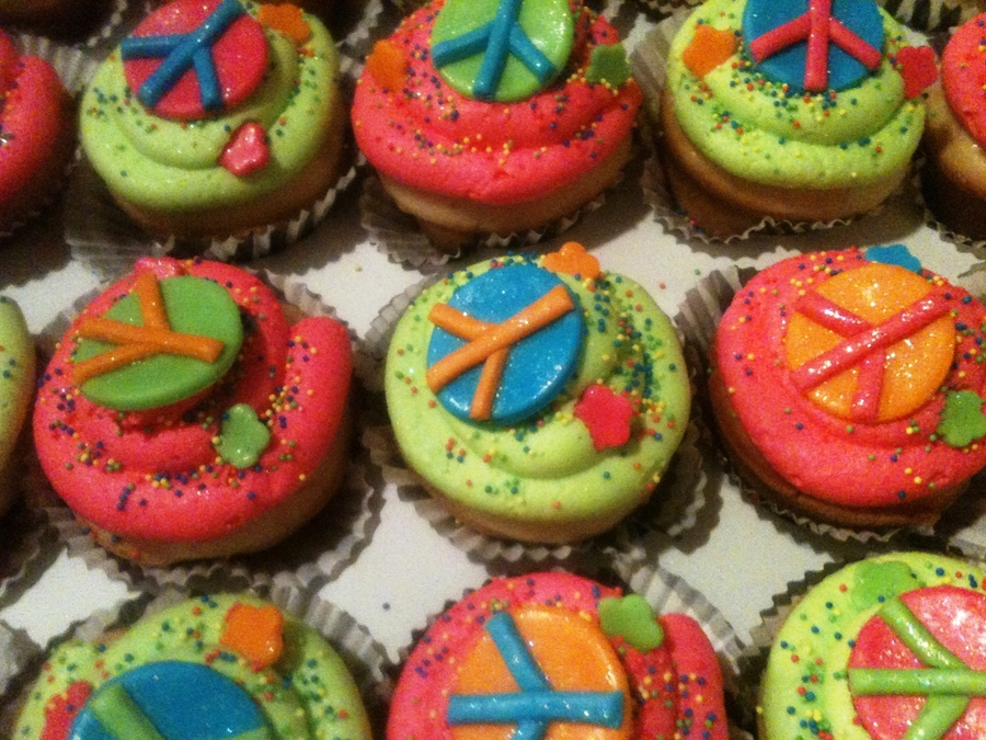 Peace Sign Cupcakes on Cake Central