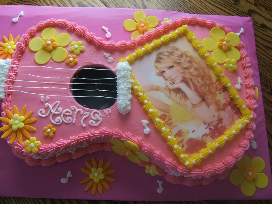 Taylor Swift Guitar Cake Cakecentral Com