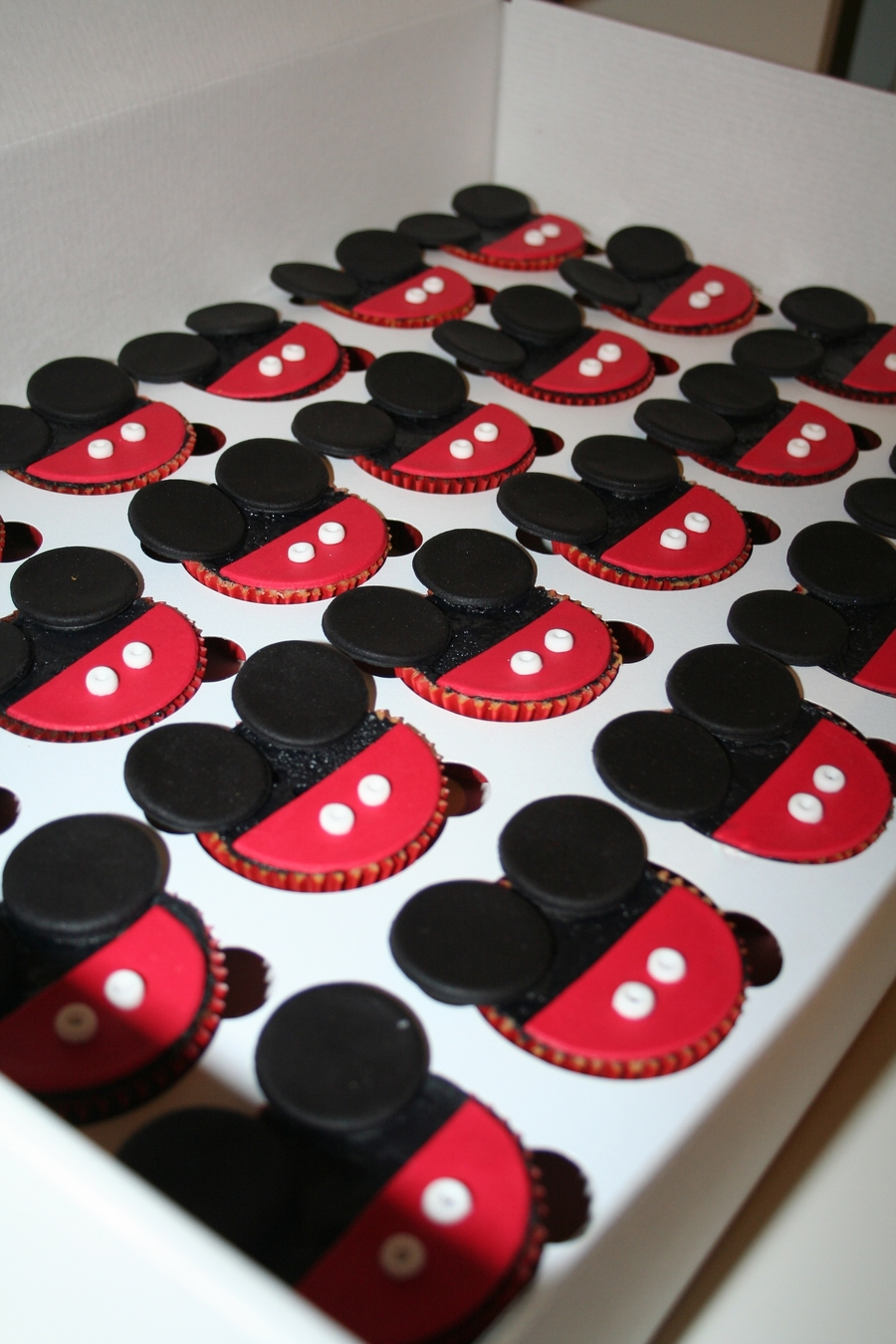 Pictures Of Mickey Mouse Cupcakes : Mickey Mouse Cupcakes - CakeCentral.com