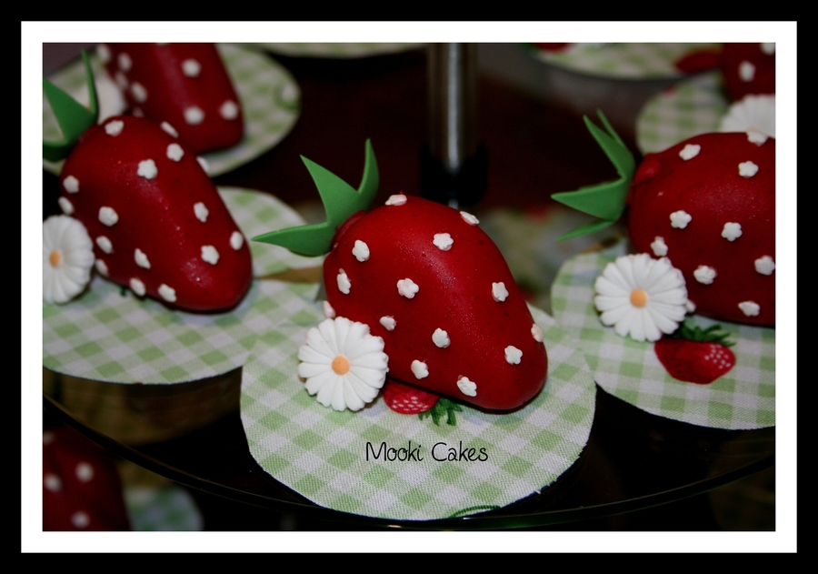 Strawberry Cake Balls/pops on Cake Central