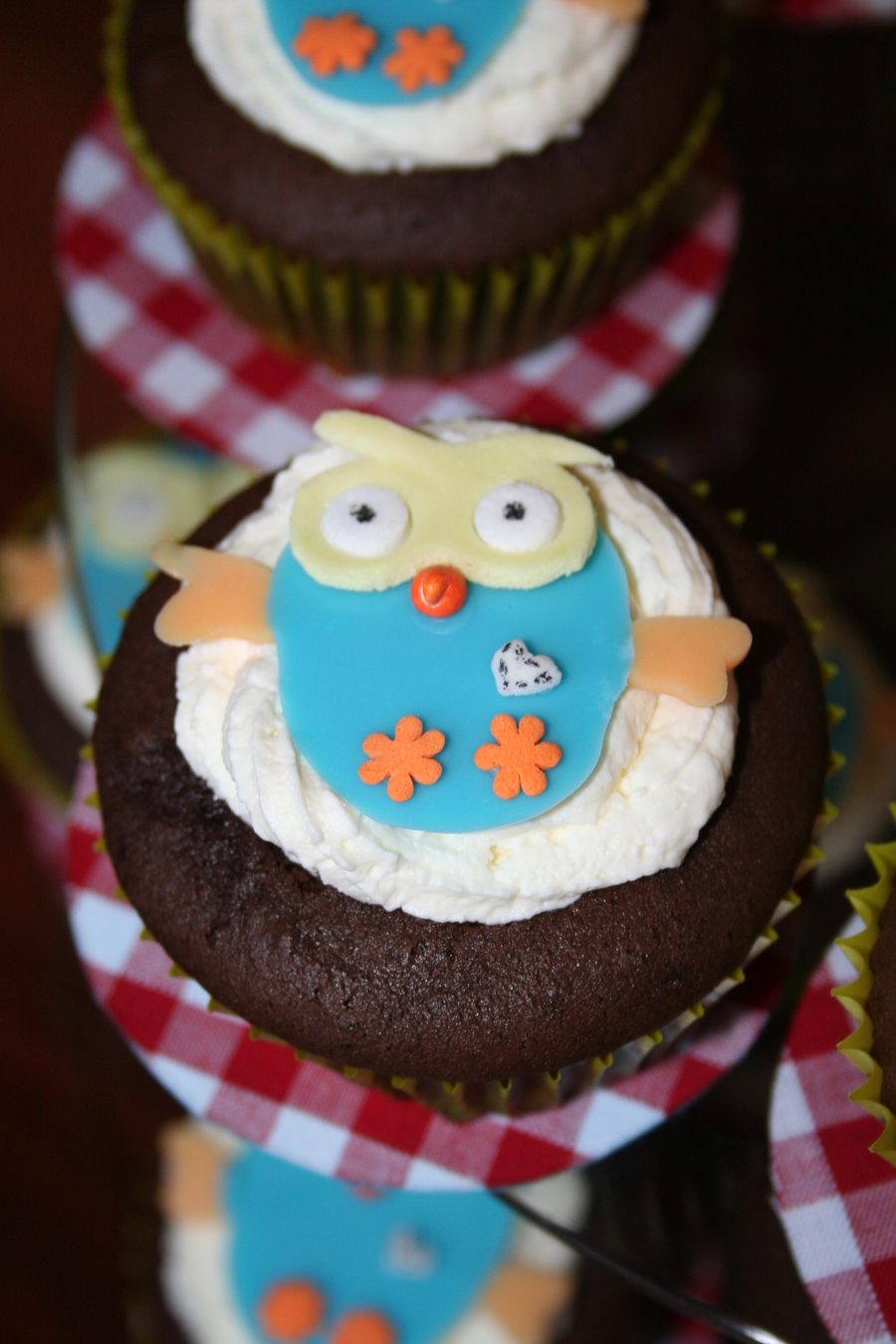 Hoot Cupcakes on Cake Central