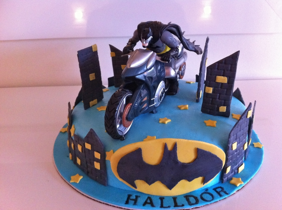 Batman Cake I Made For A 9 Year Old Birthday Boy