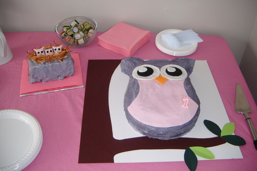 1St Birthday Hootles on Cake Central