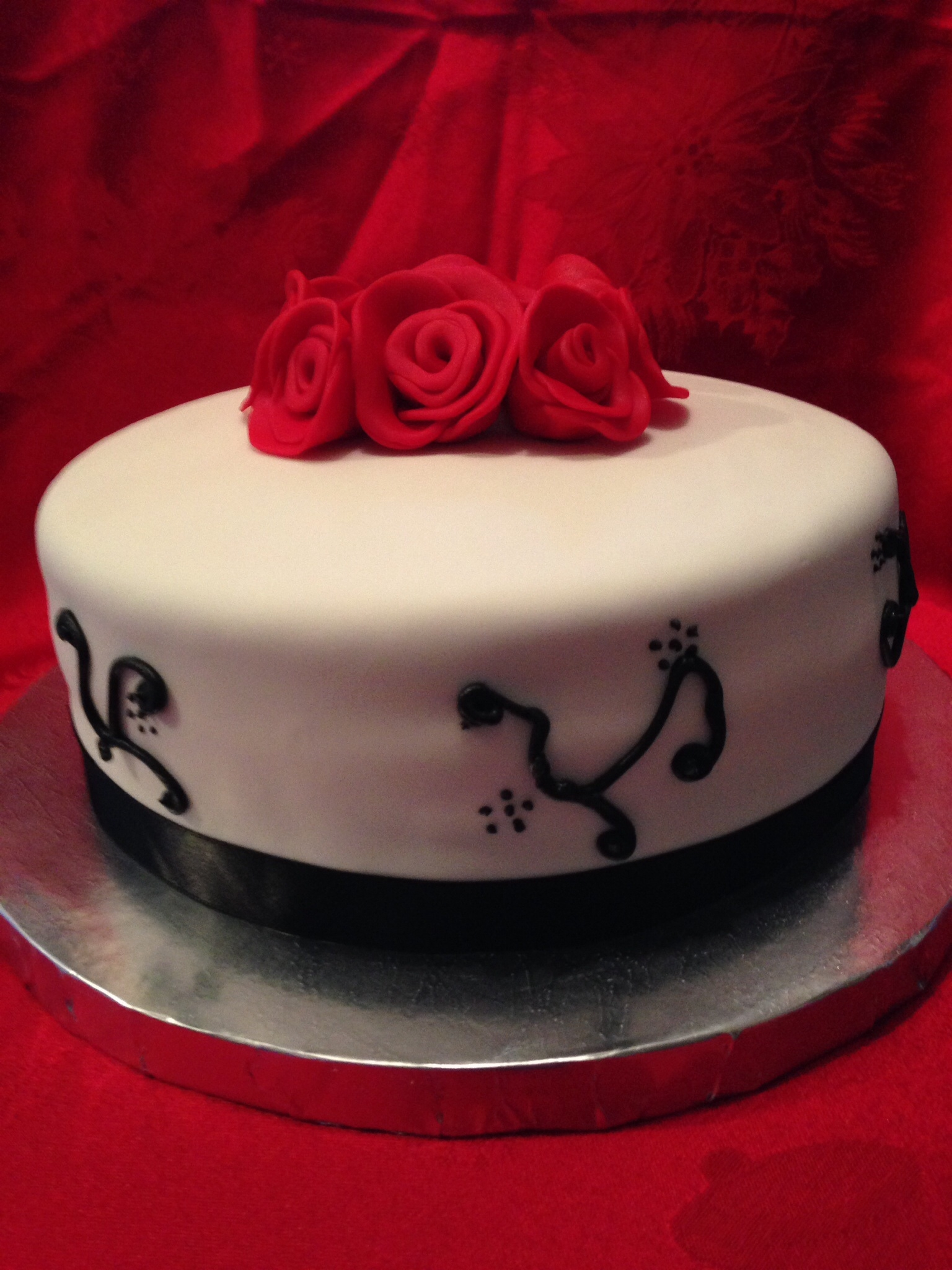 Cake With Fondant Ribbon : French Vanilla Cake With Peppermint Crunch Buttercream ...