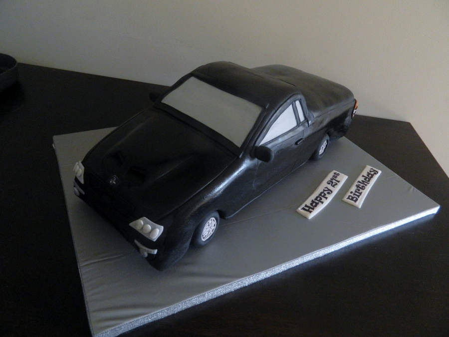 Black Ute on Cake Central