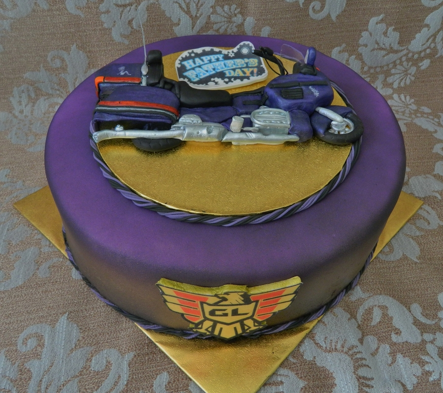 Fathers Day Goldwing on Cake Central