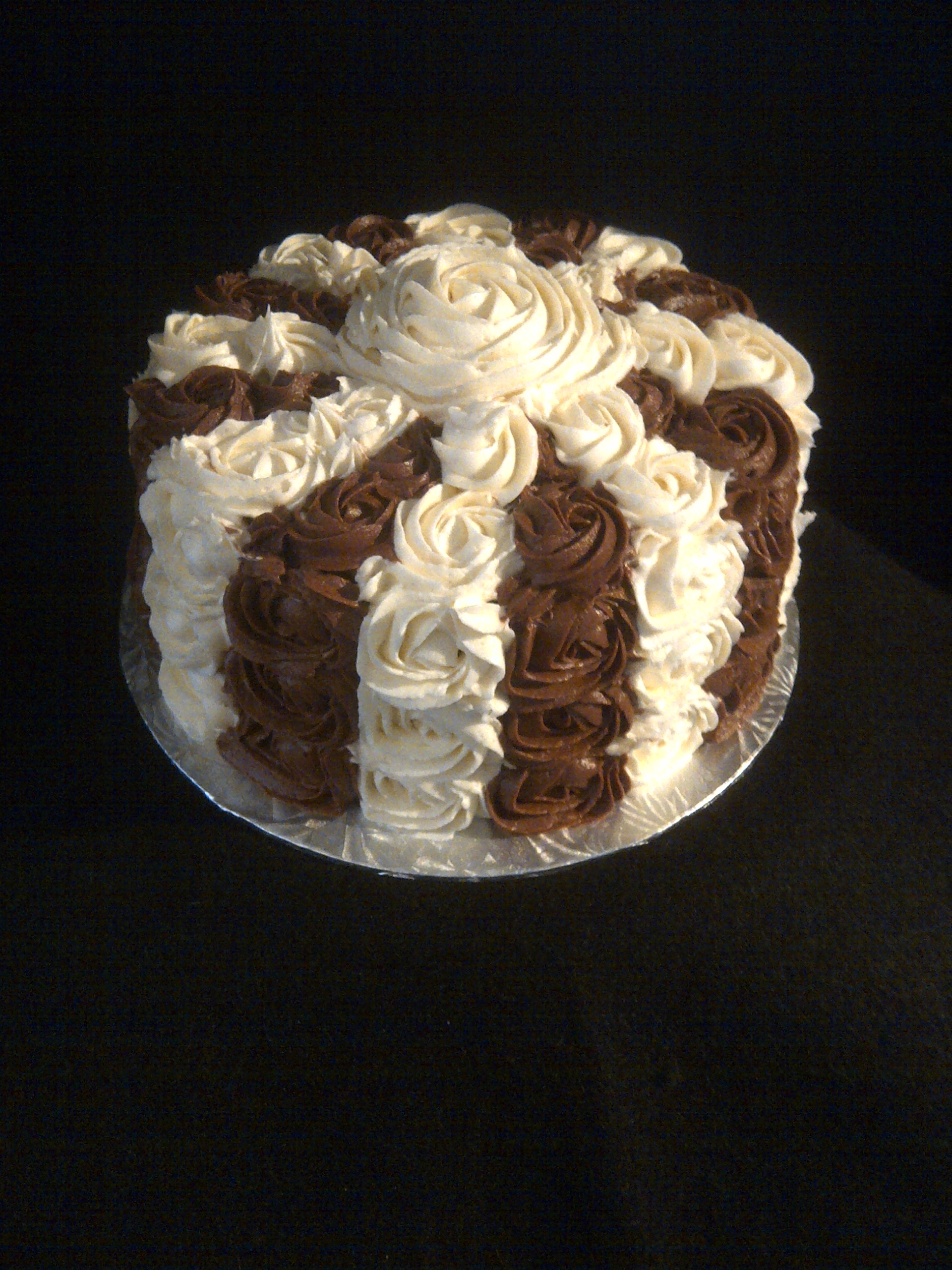 Turtles Inspired Rosette Cake 4 Layers Of Chocolate Cake Bottom And