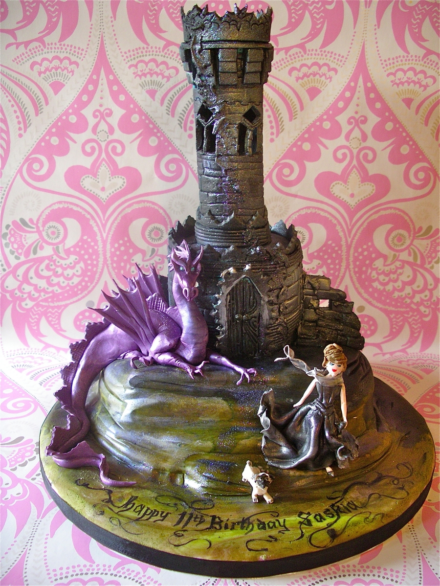 Gothic Tower Amp Dragon Cake Cakecentral Com