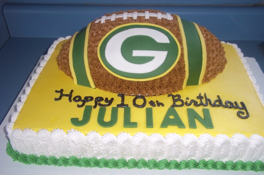 Enjoyable Green Bay Packers Football Cake Cakecentral Com Personalised Birthday Cards Rectzonderlifede