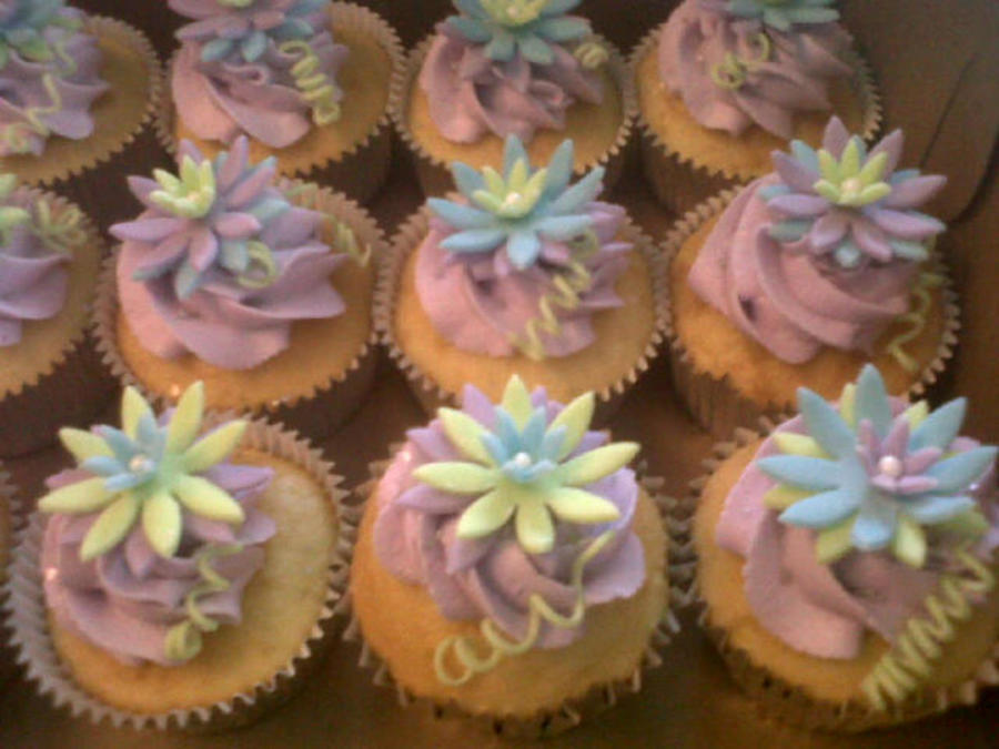 Lotus Flower Cupcakes on Cake Central