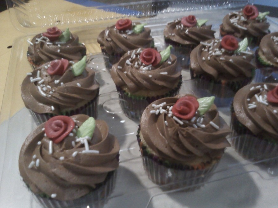 Chocolate Rose Cupcakes  on Cake Central