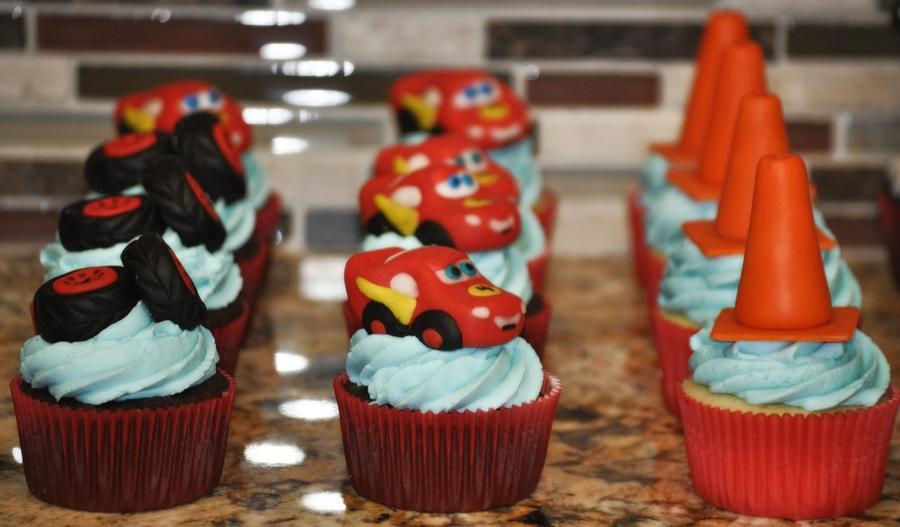Pixar Cars Cupcakes Cakecentral Com