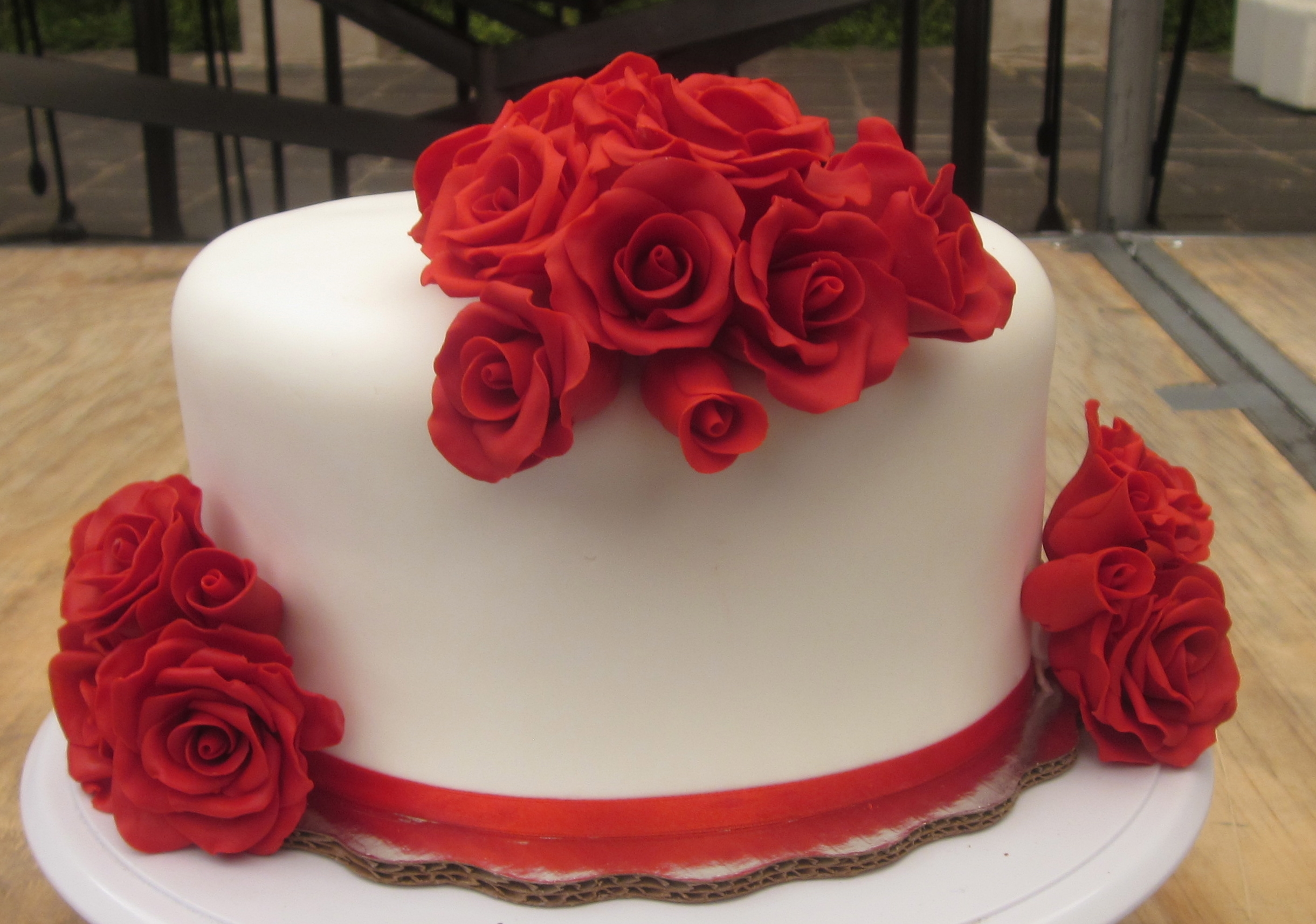 small wedding cakes with roses wedding cake mini cakes white cakecentral 20247