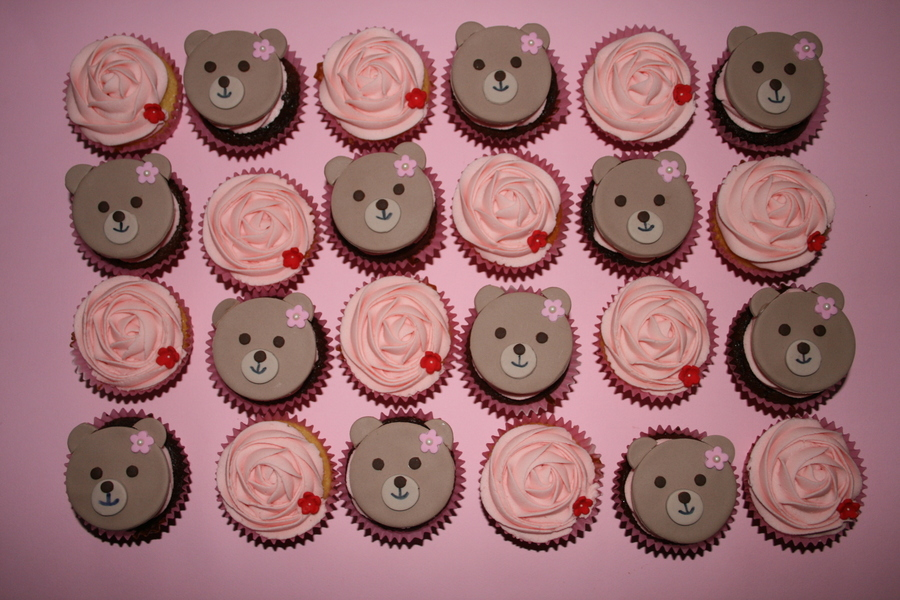 Teddybears And Roses on Cake Central