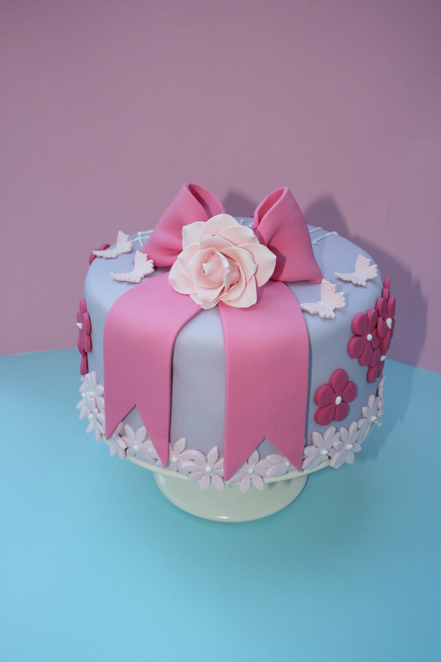 Bow And Rose on Cake Central