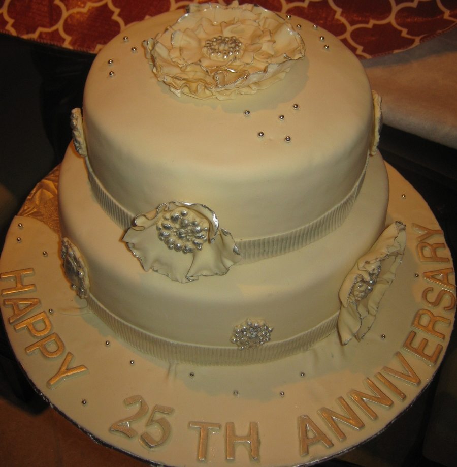 Cake Designs For 25 Anniversary : 25Th. Anniversary Cake - CakeCentral.com