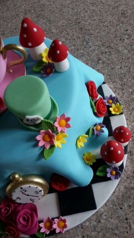 Mad Hatter S Tea Party Cake Cakecentral Com
