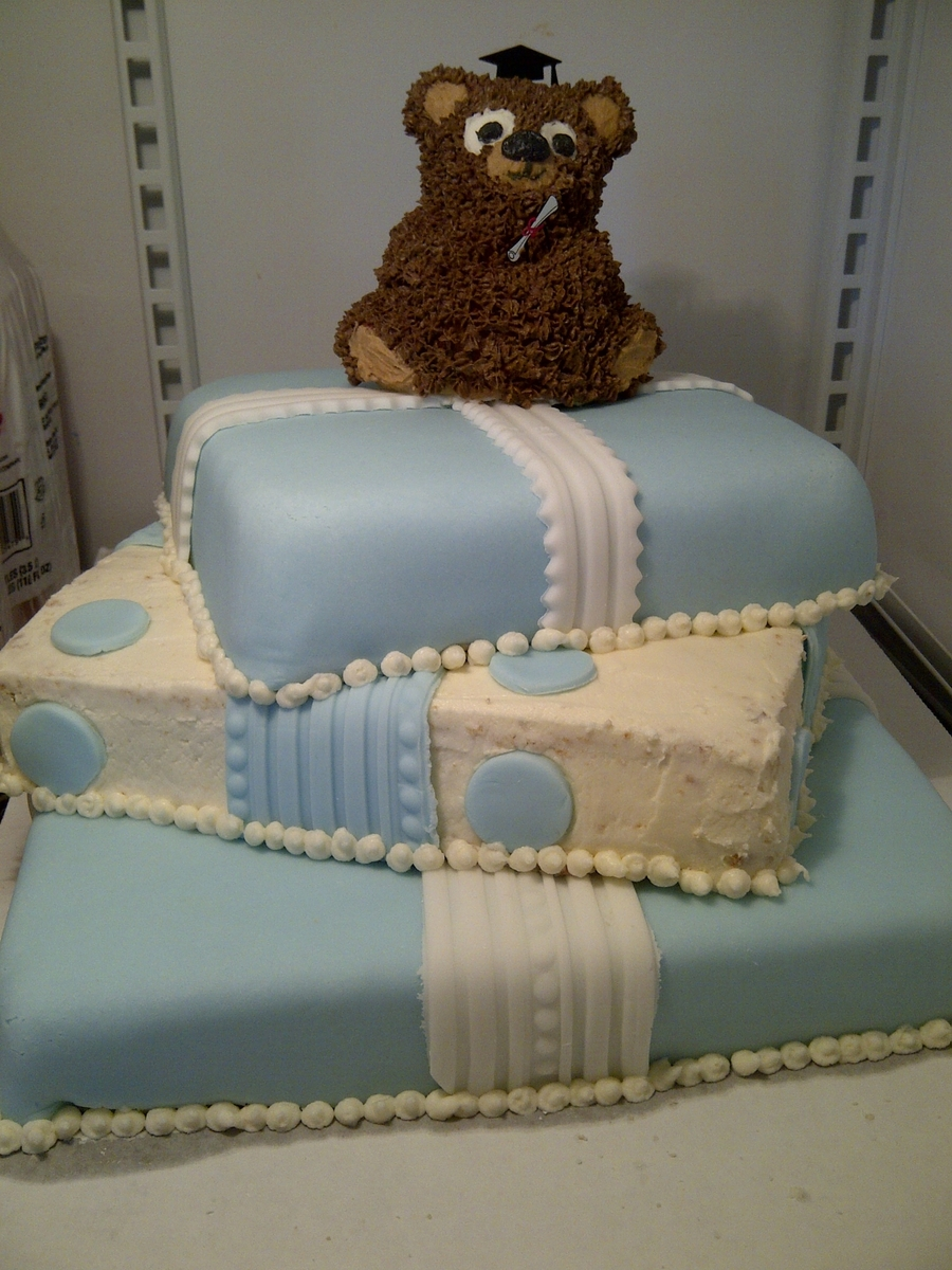 Graduation Bear on Cake Central