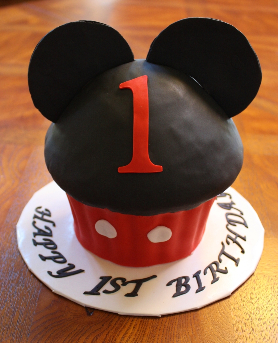 Terrific Mickey Mouse 1St Birthday Cupcake Cake Cakecentral Com Personalised Birthday Cards Bromeletsinfo