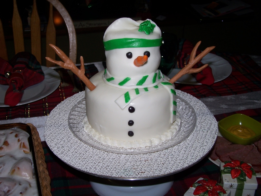Snowman Centerpiece on Cake Central