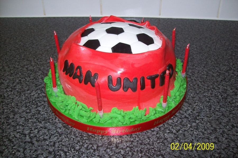Manchester United Football Cake on Cake Central