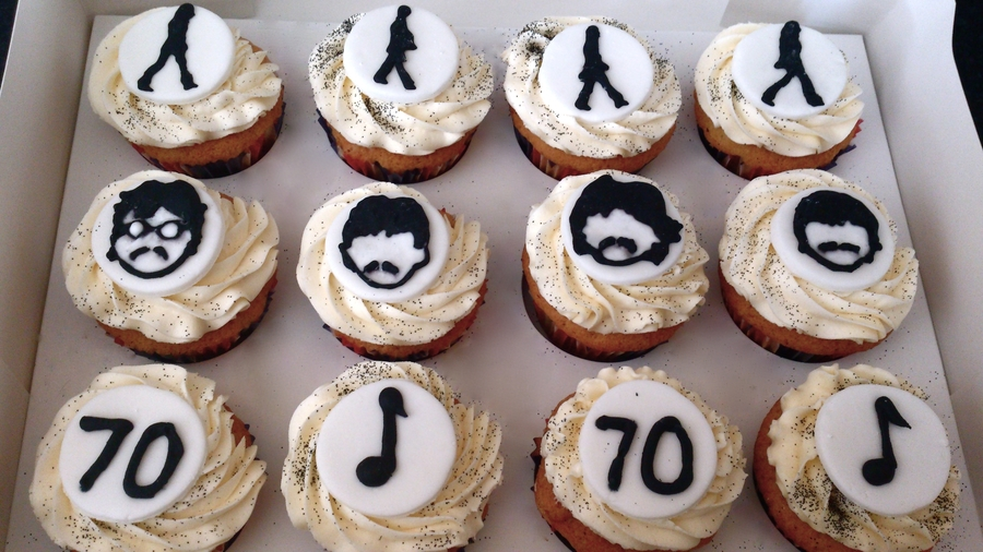 The Beatles Theme on Cake Central