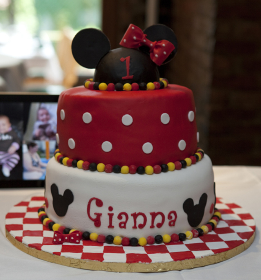 Fine Minnie Mouse First Birthday Cake Cakecentral Com Personalised Birthday Cards Veneteletsinfo