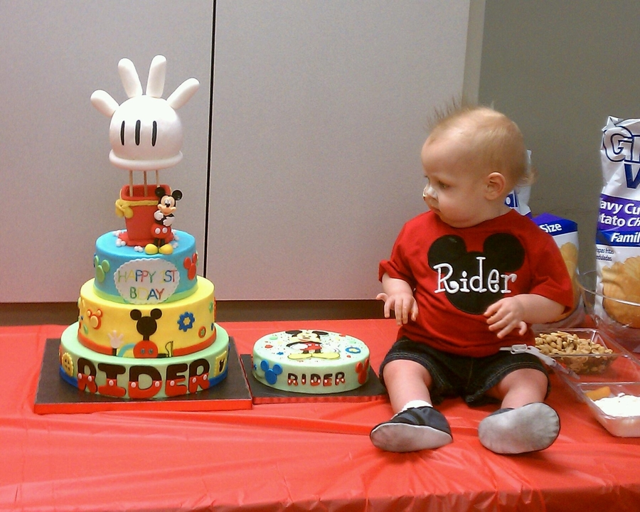 Amazing 3Tier Buttercream Mickey Mouse 1St Bday Themed Cake Wih Matching Personalised Birthday Cards Petedlily Jamesorg