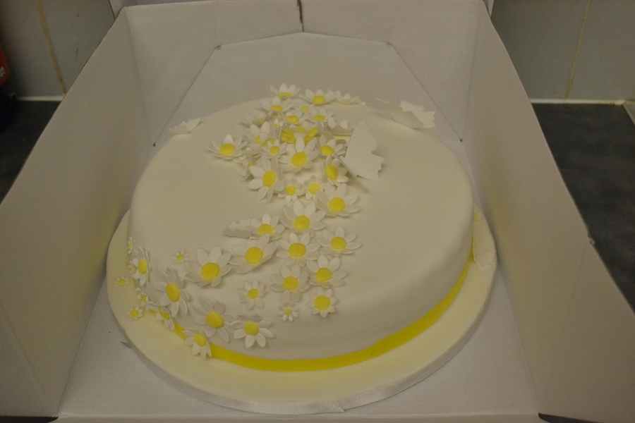 Daisy Cake on Cake Central