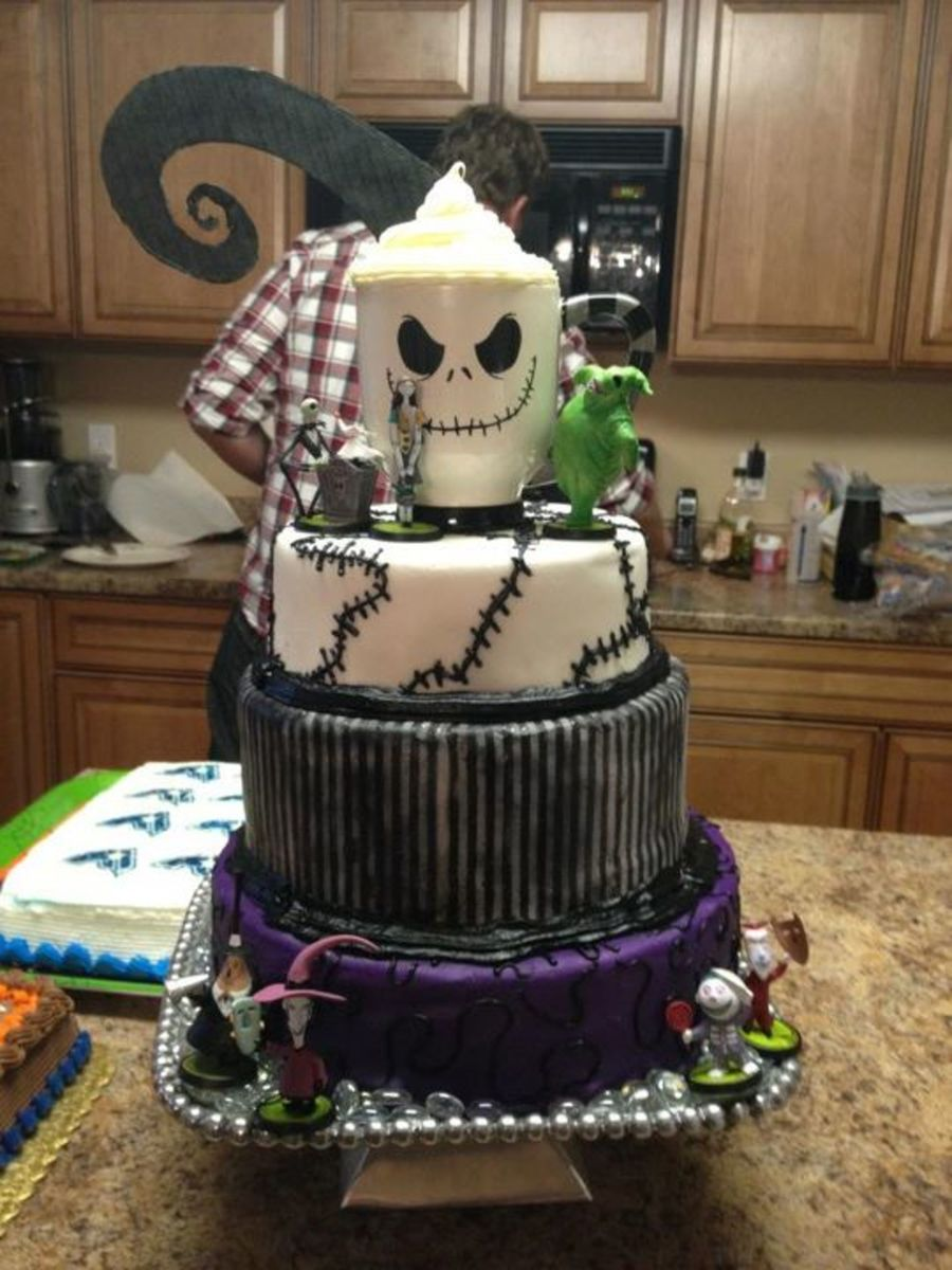 Nightmare Before Christmas Cake - CakeCentral.com