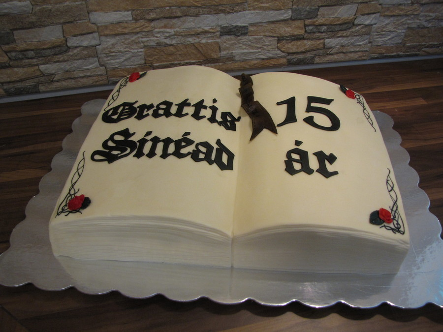 Book Cake And Puutarhamarkkinat 2013 045Jpg on Cake Central