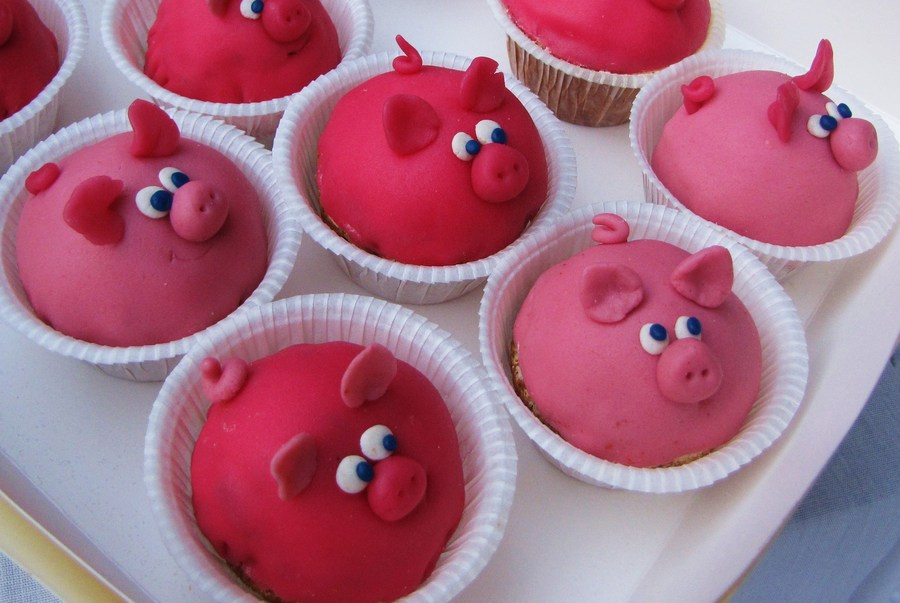 Piggy Cupcakes on Cake Central