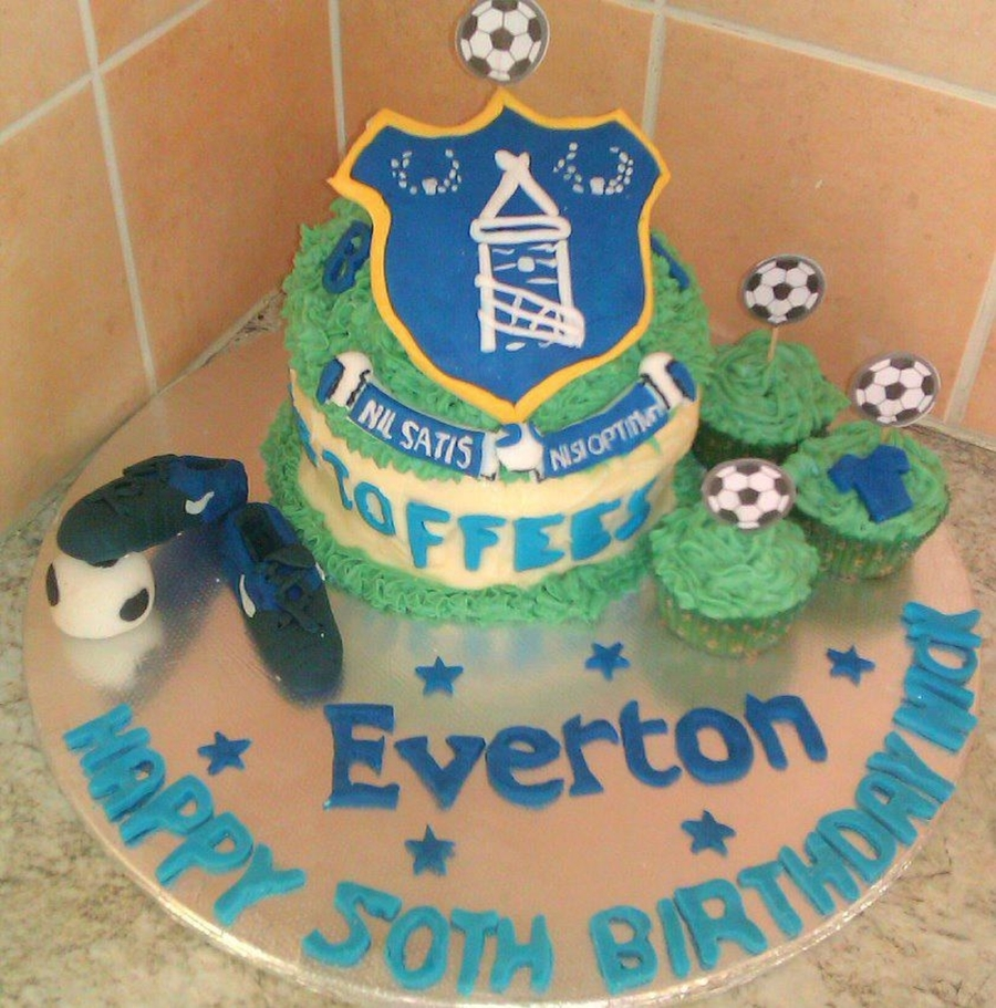 Everton Football Cake on Cake Central